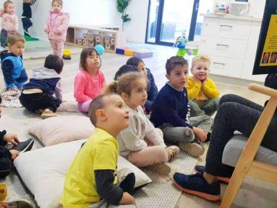 teaching-children-engaged-children